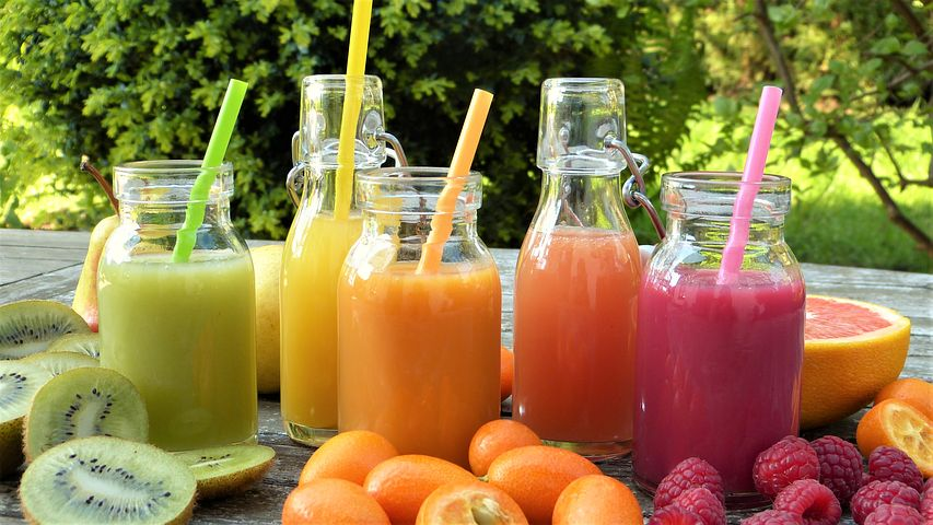Juicing VS Blending: Is One Better for Your Health?